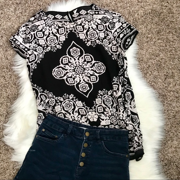 Old Navy Tops - Black & White Floral Top